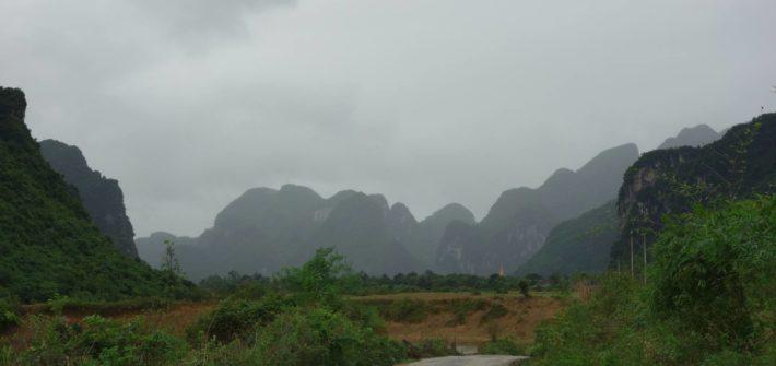 Zwiedzając okolice Phong Nka