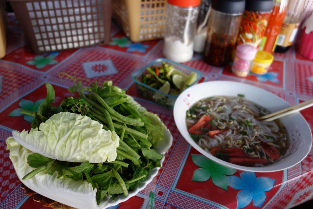 Zupa noodle'owa w Laosie