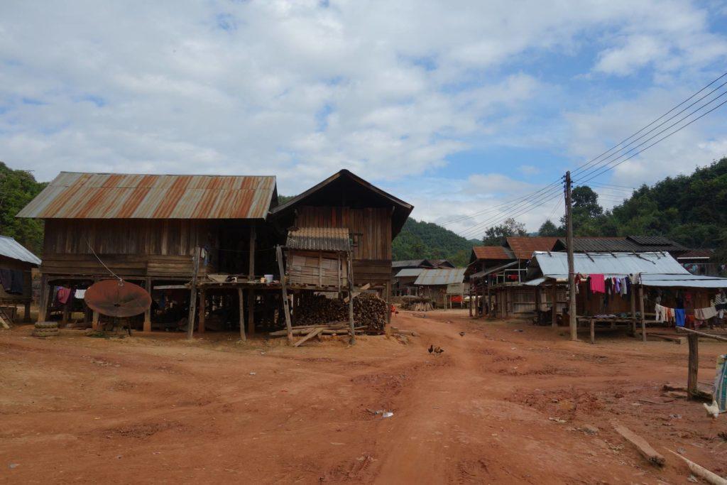 Wioska Akha w okolicy Muang Sing