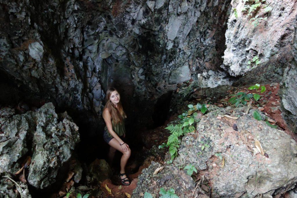 jaskinia przy blue lagoon 5