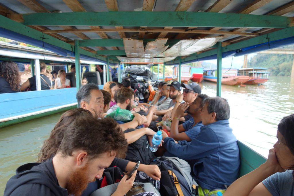 łódka do muang Ngoi z nong Khiaw