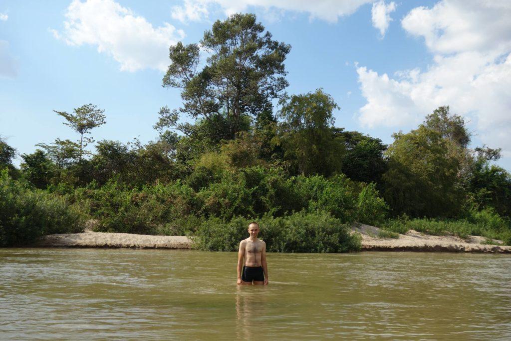 Pływaie w Mekongu na wyspie Don Det