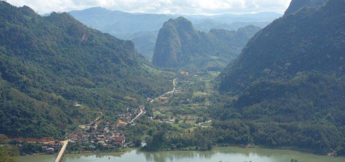 Widok na Nong Khiaw