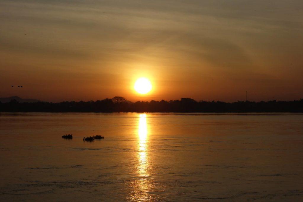 wschód słońca Don Khong