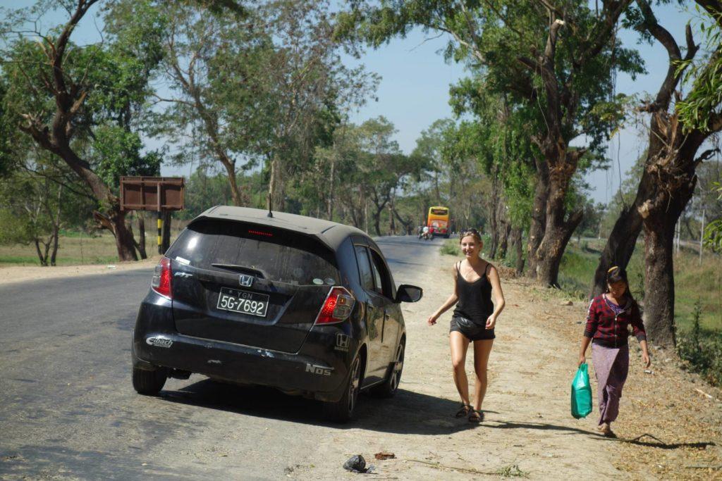 Złapaliśmy stopa na jednej z dróg w Birmie
